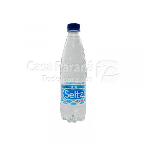 Agua mineralizada sin gas en botella de 500ml