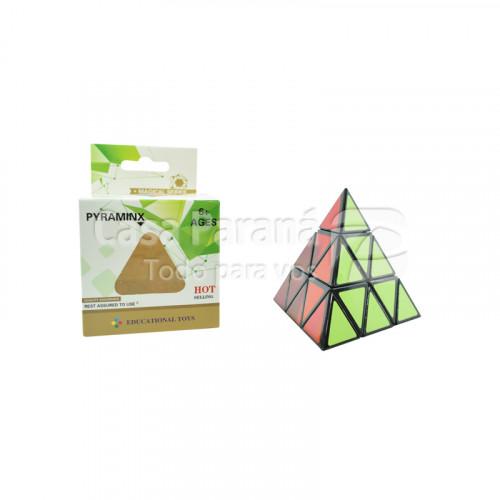Cubo magico en forma de triangulo