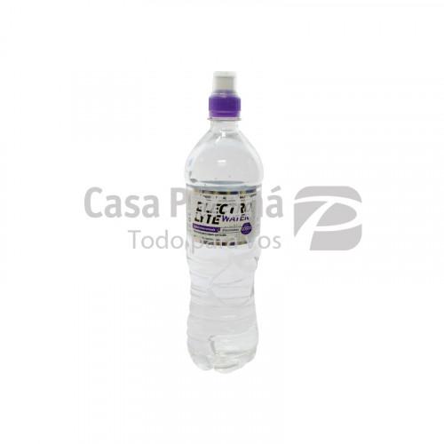 Agua mineral con electrolitos